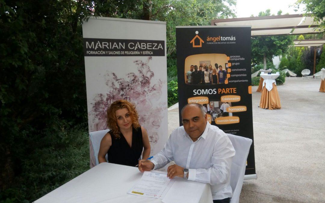 Firma del convenio formativo con el centro de formación Marian Cabeza