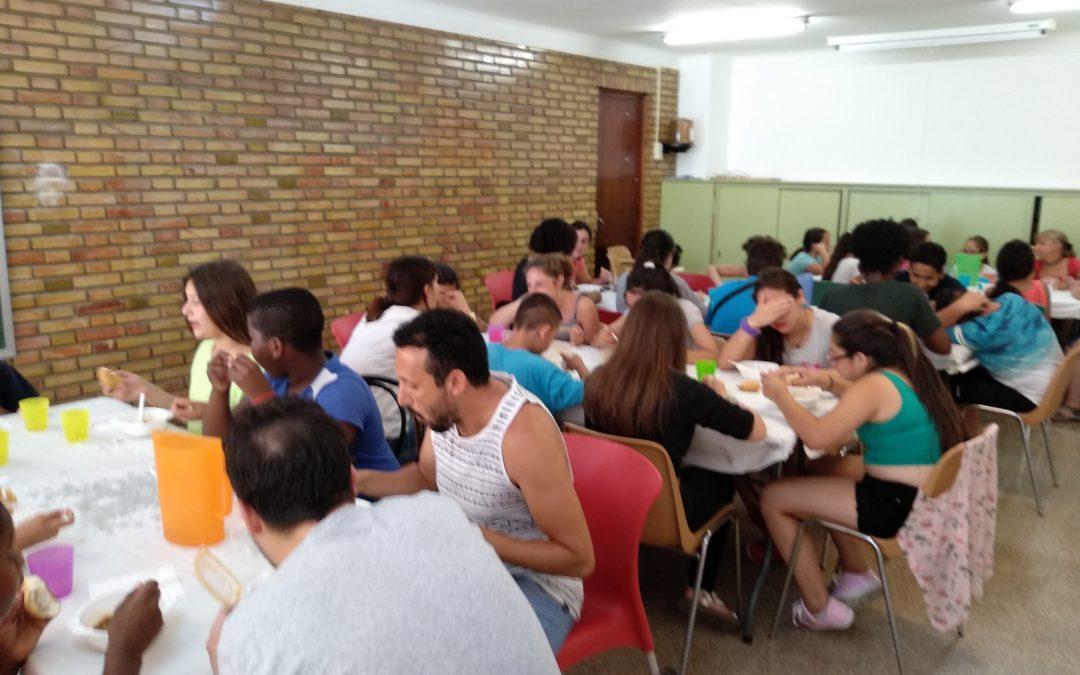 485 menores de la Fundación Ángel Tomás se benefician de las becas de comedor Educo