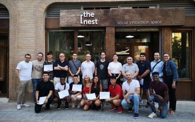Construint futur: Nou joves finalitzen el primer curs de Fabricació Digital de FISAT, Social Nest i FabLab València